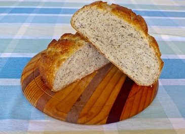 POPPY AND WHITE SESAME SEED BREAD