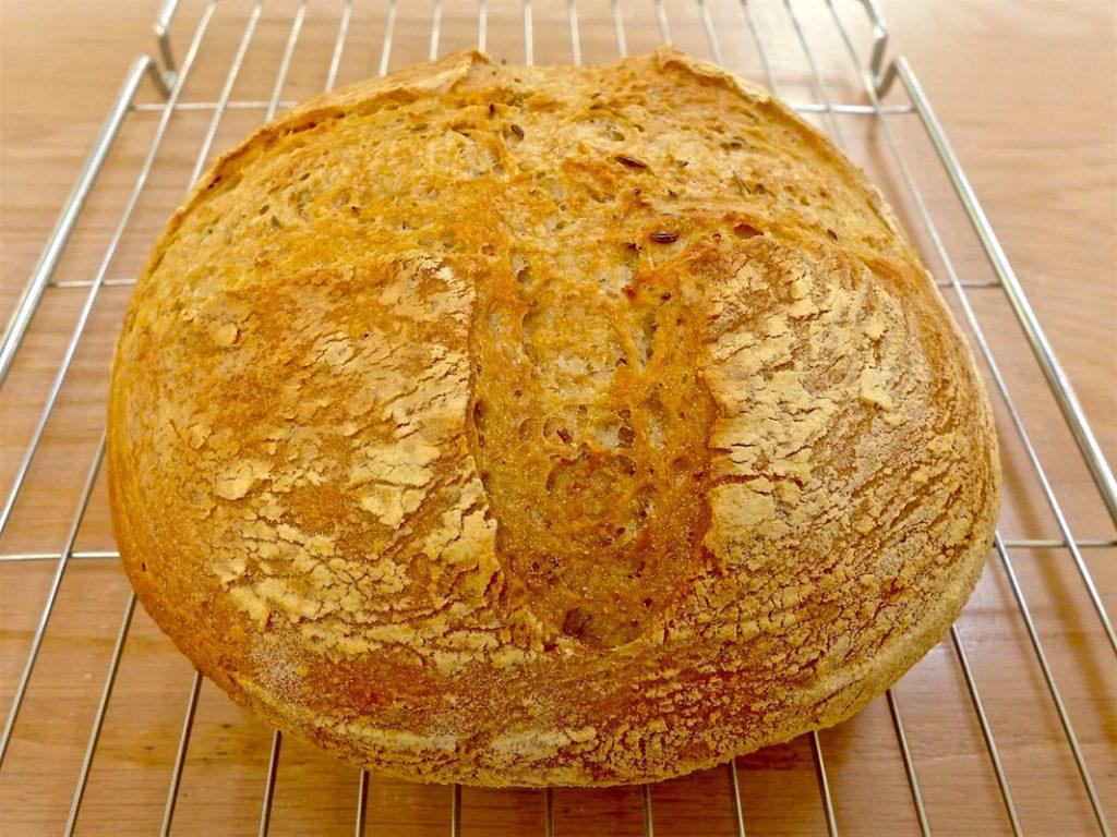 Loaf cooling on rack | Dr Doughlittle
