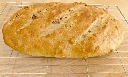 WALNUT & GOLDEN RAISIN BREAD