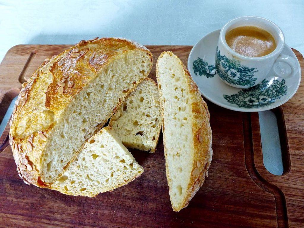 Dr Doughlittle | Semolina Pumpkin Seed Bread