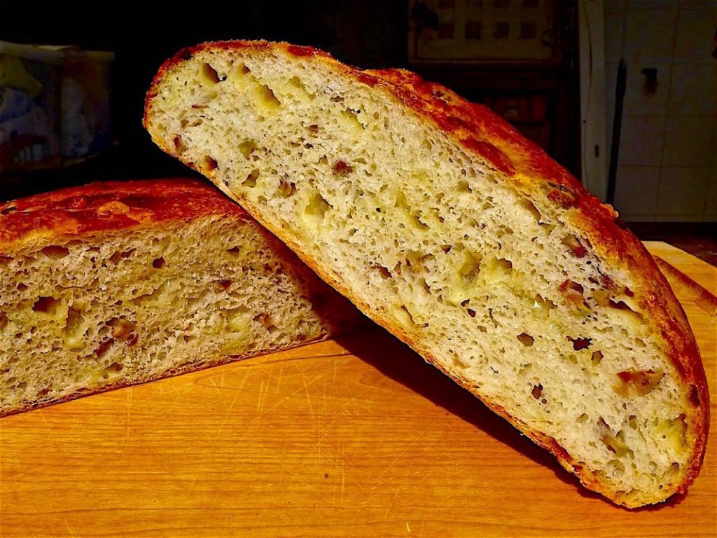 Dr Doughlittle | Gruyere Cheese Bread with Green olives