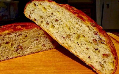 GRUYÈRE CHEESE WITH GREEN OLIVE BREAD